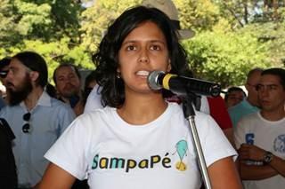 Ativista da ONG Sampa a pé, Ana Carolina, apoia a iniciativa do poder público
